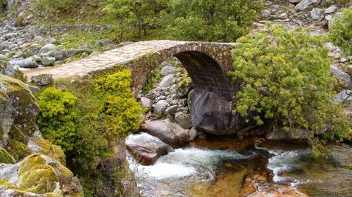 Puente de Carlos V.